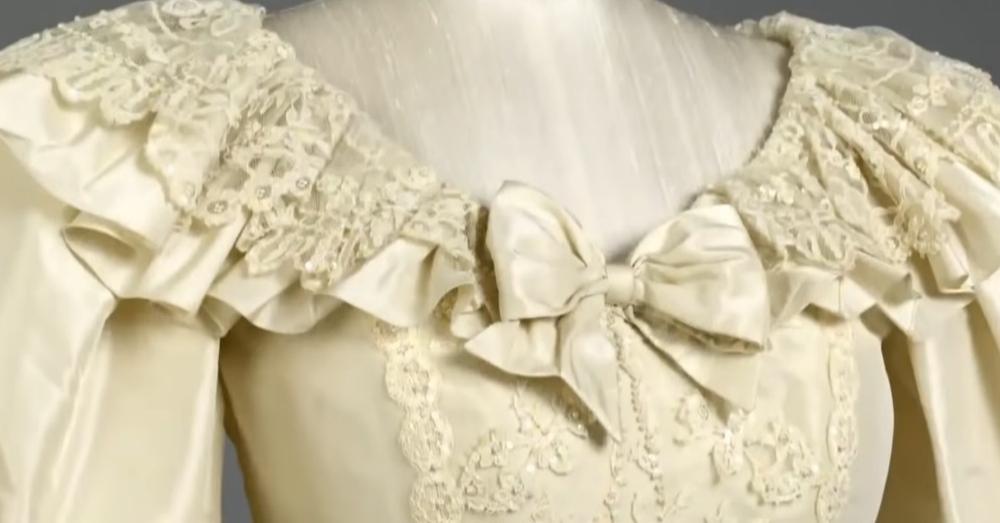 detail of collar of Princess Diana's wedding dress