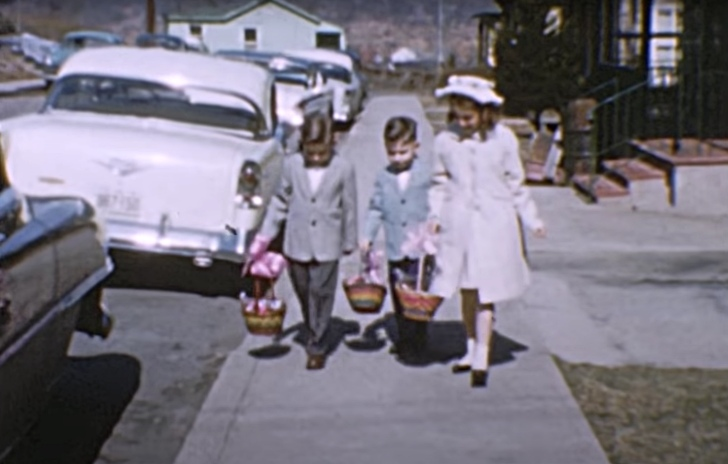 children in Easter Sunday in the 1950s