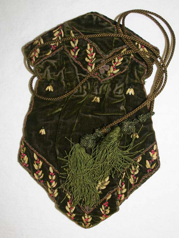 antique reticule purse form the early 1800s