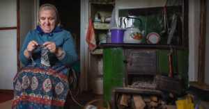 Kihnu woman knitting
