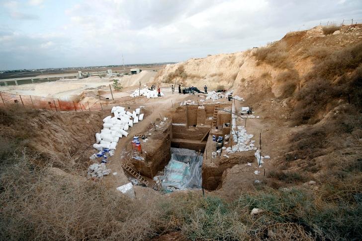Nesher Ramla archaeological site