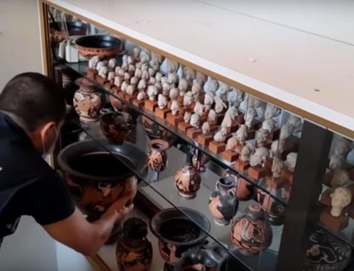 stolen ancient Italian artifacts