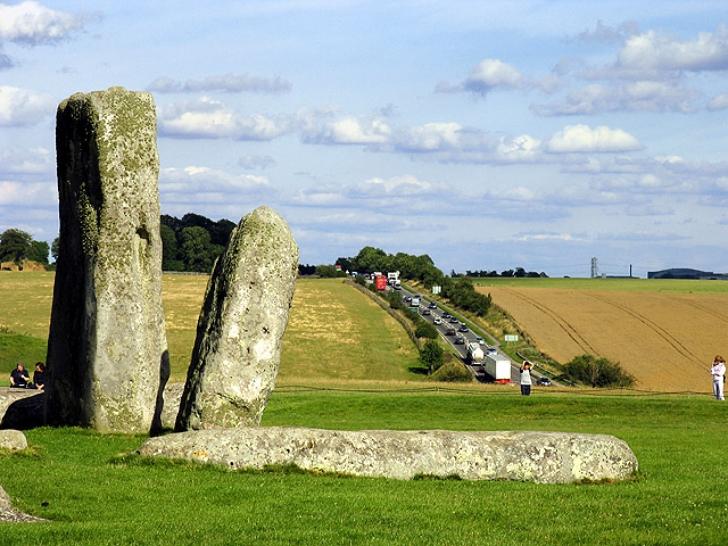 heavy road traffic around Stonehenge