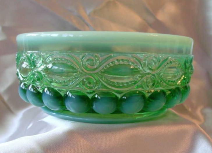eyewinker green glass dish