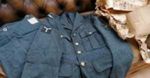 RAF uniform going up for acution
