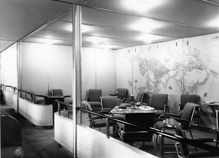 lounge aboard the Hindenburg