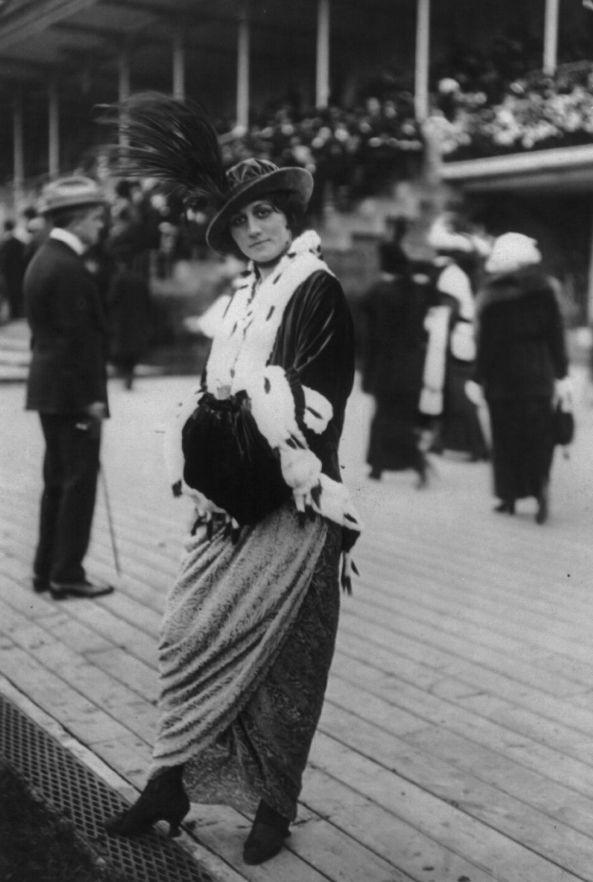 1913 ensemble with ermine trim