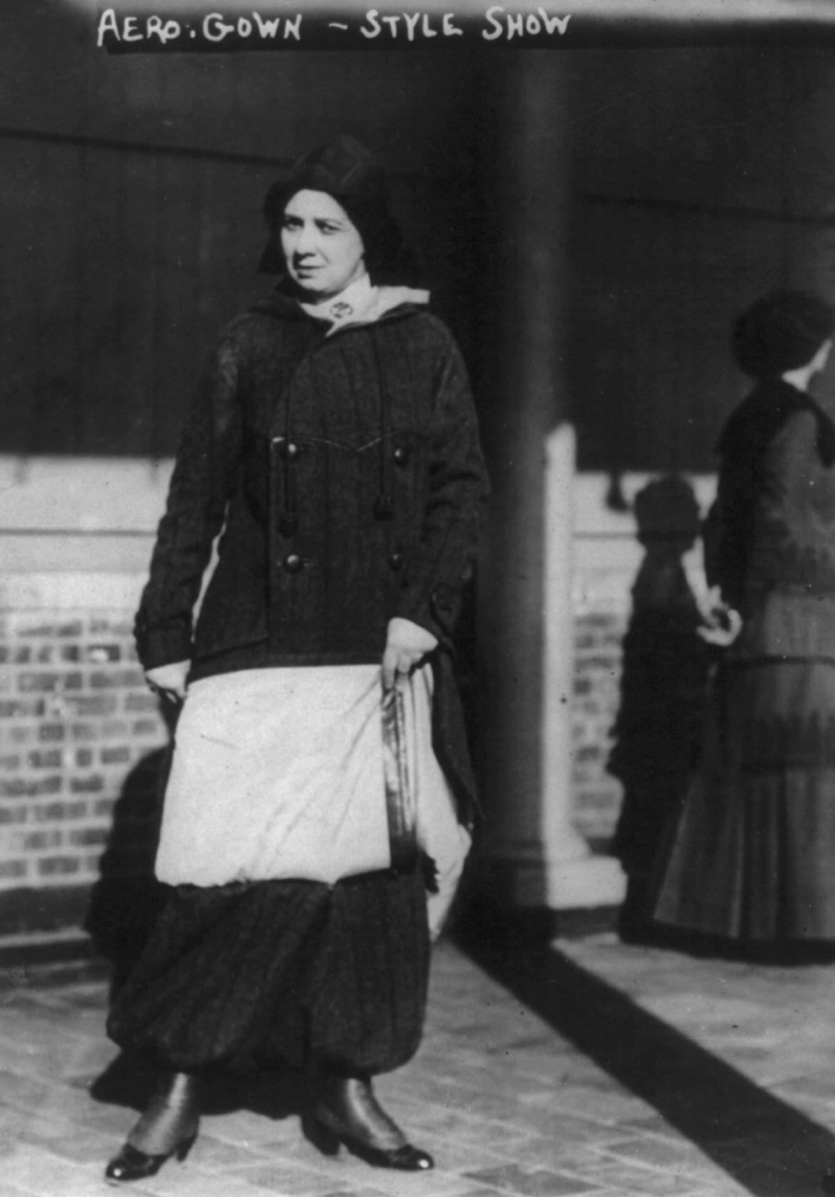 aero gown 1910