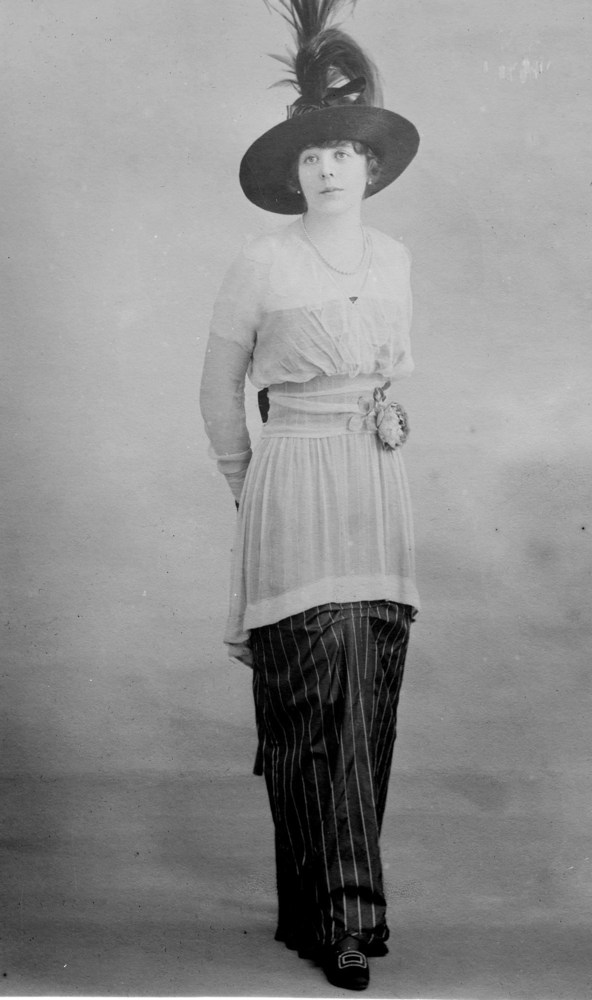1910s hobble skirt