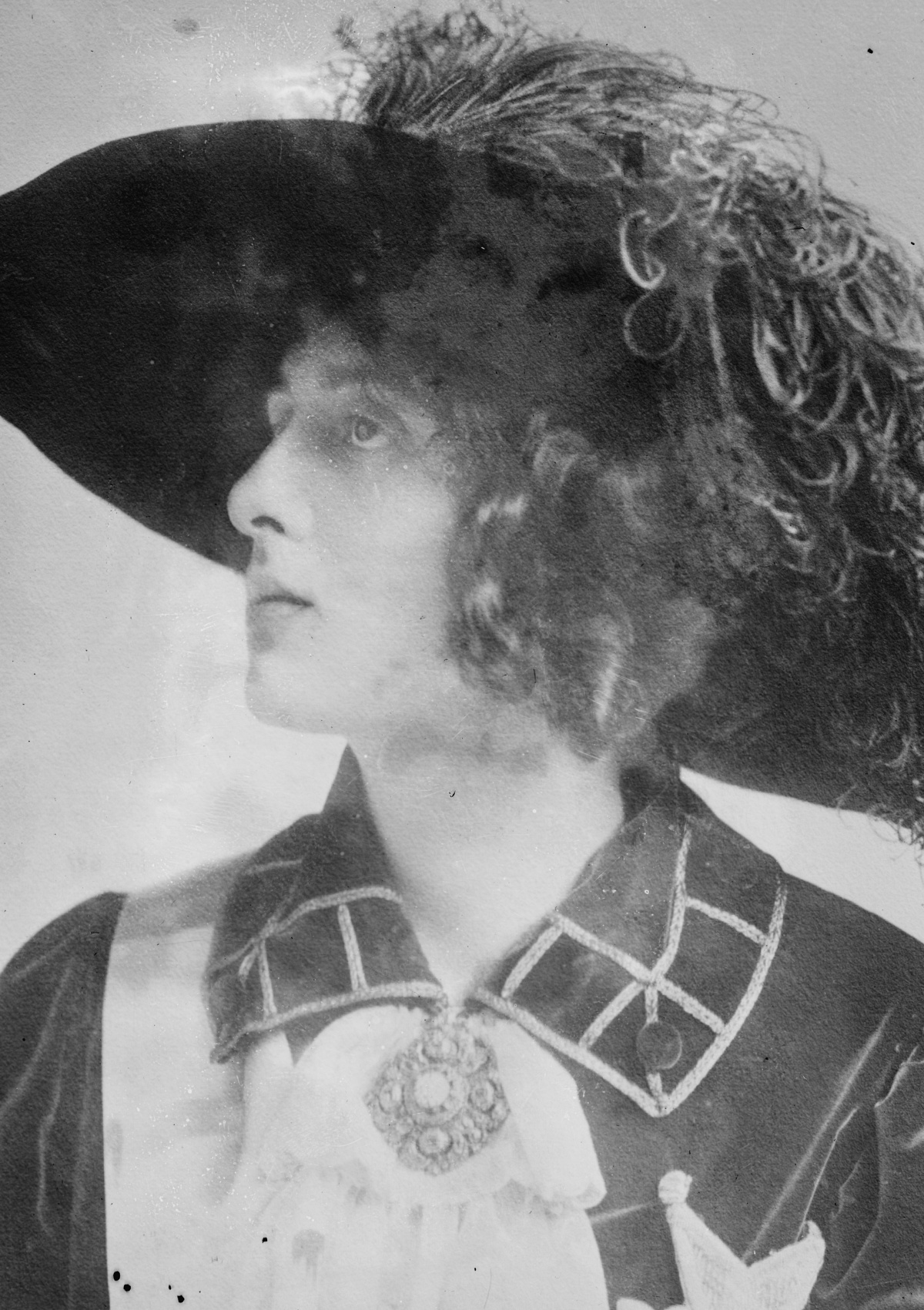 1910s portrait with feathered hat
