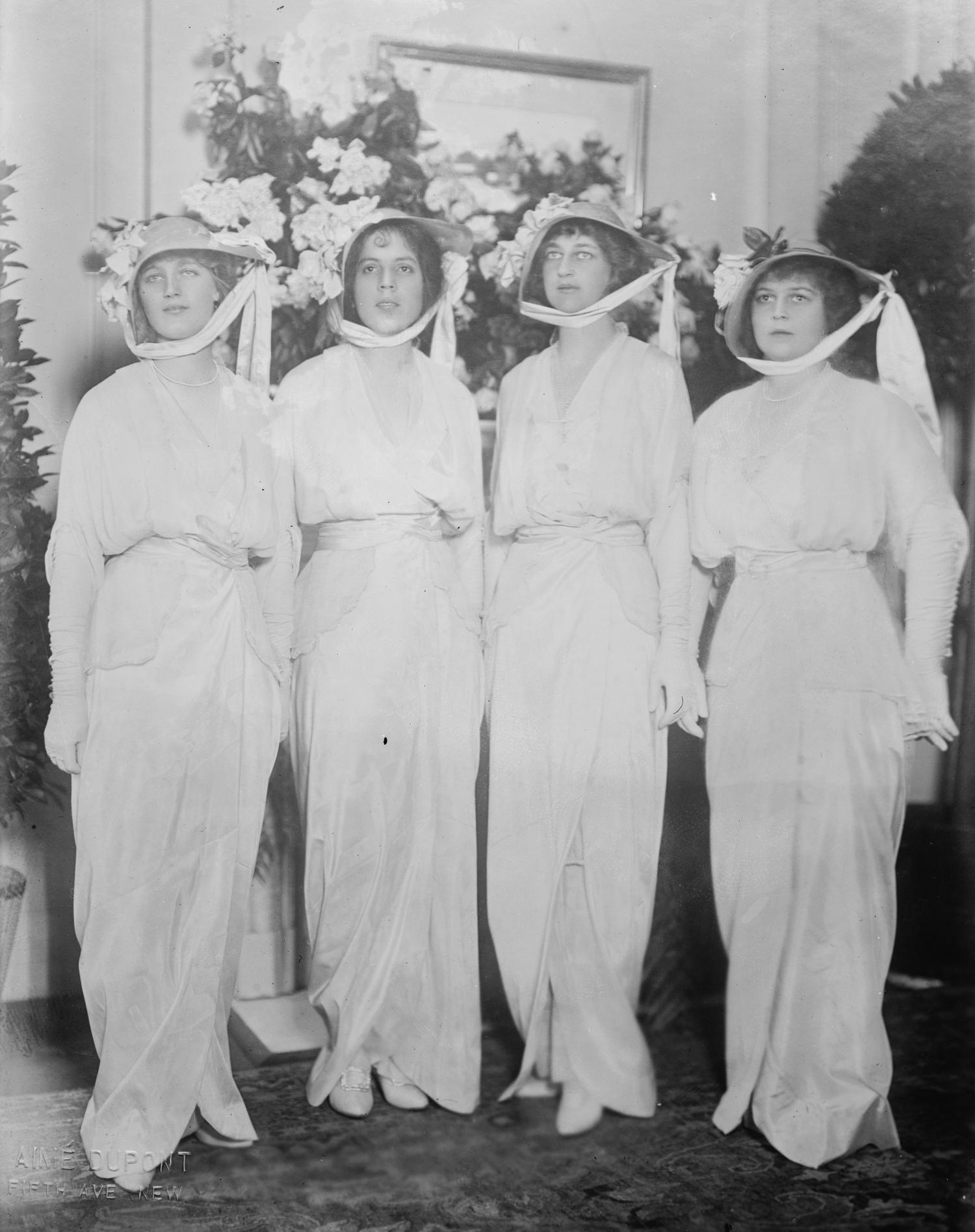 1913 bridesmaids