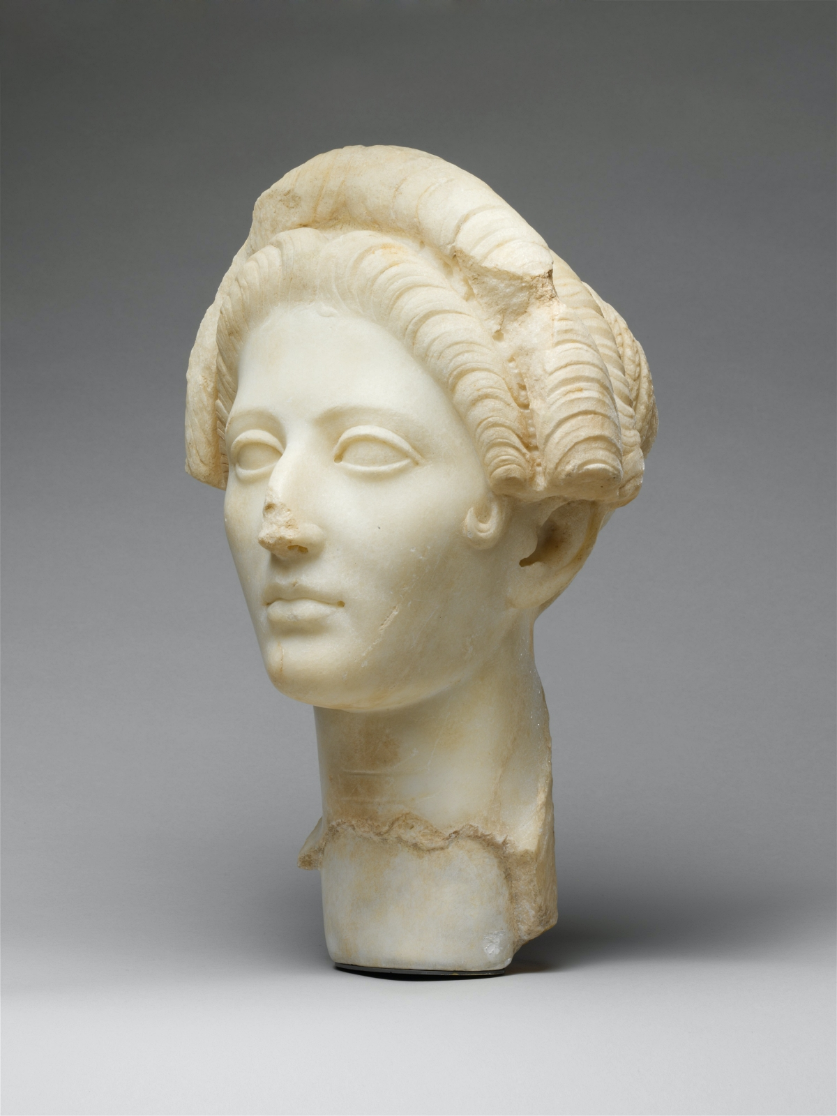 marble bust of ancient Roman woman
