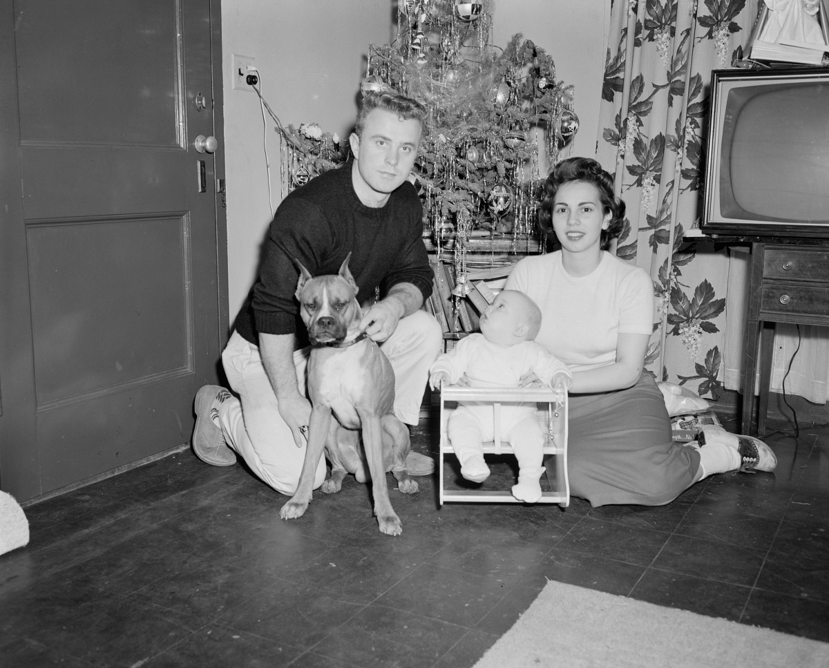 1950s family at Christmas