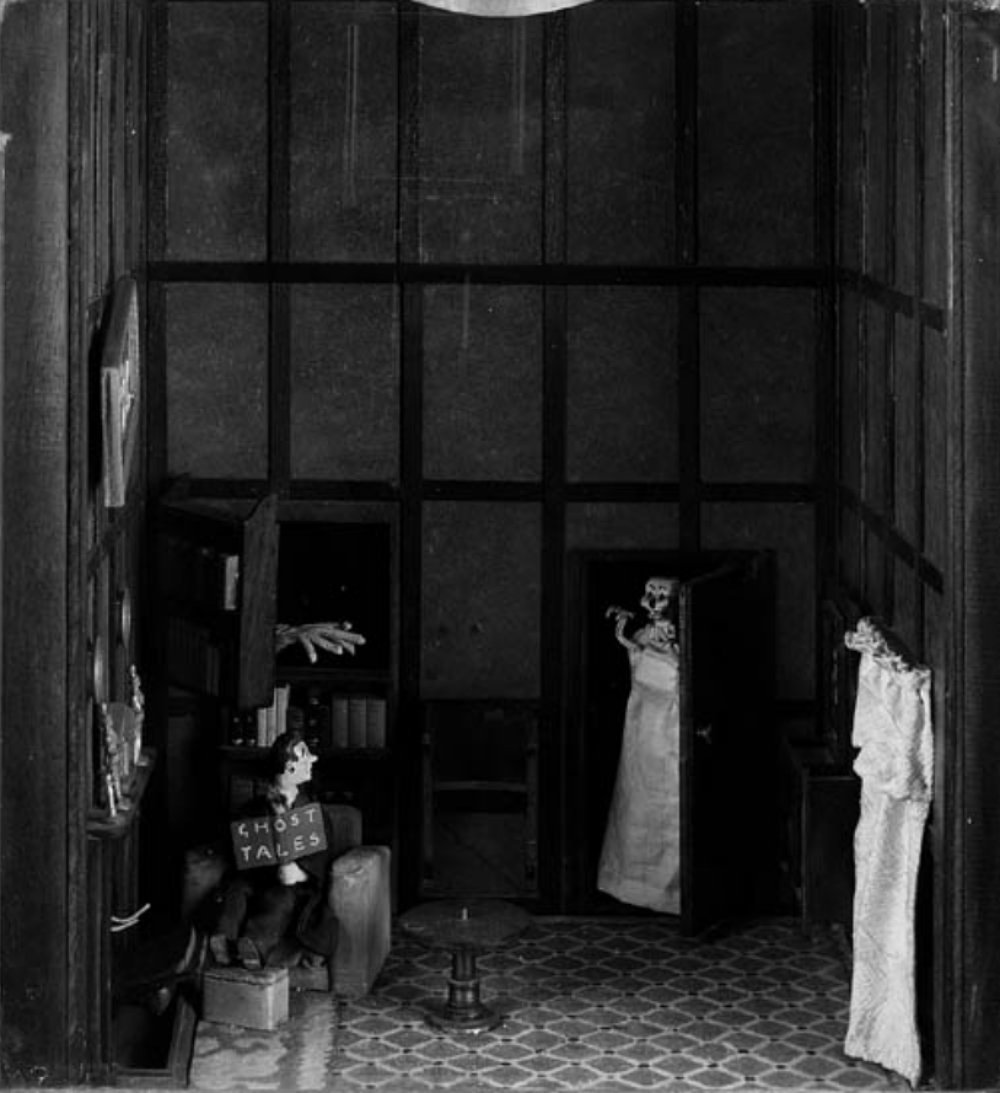 1940 mini haunted house