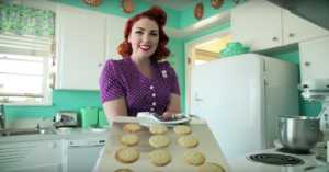woman lives 1950s lifestyle